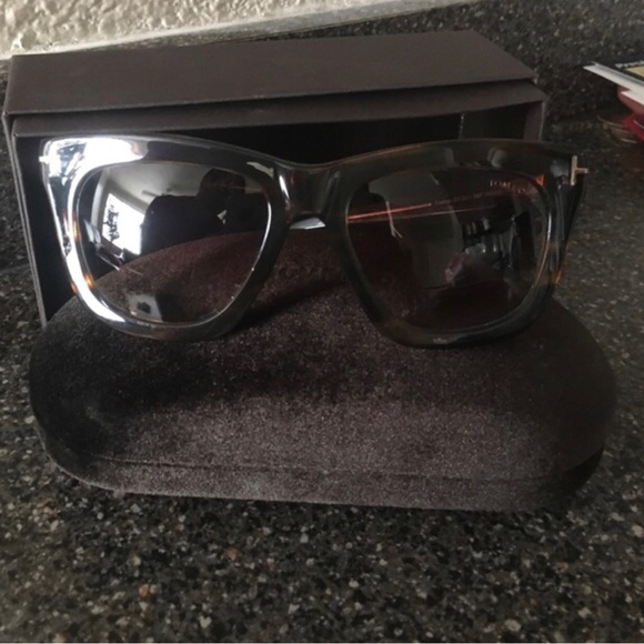 48a161cb57c8 Tom Ford Celina Sunglasses. M 5b0f38a32ae12f1a96be7a30
